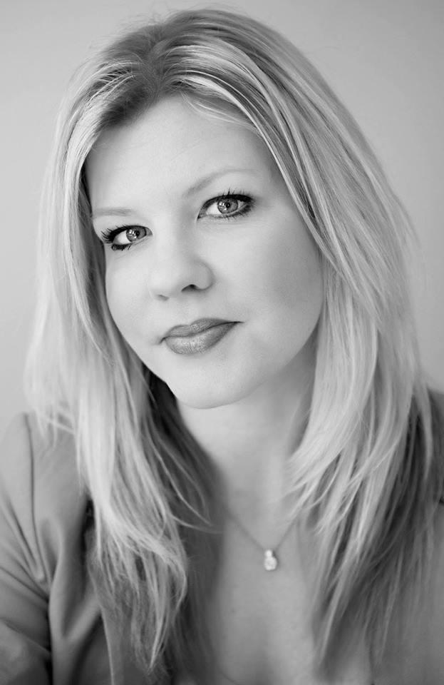 Sarah Newcomb Headshot (sleepingisforlosers.com)